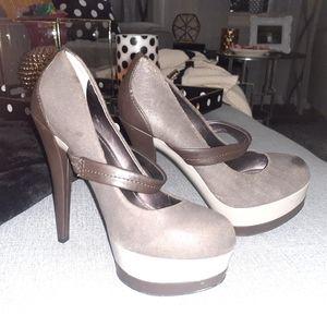 Jessica Simpson shoea